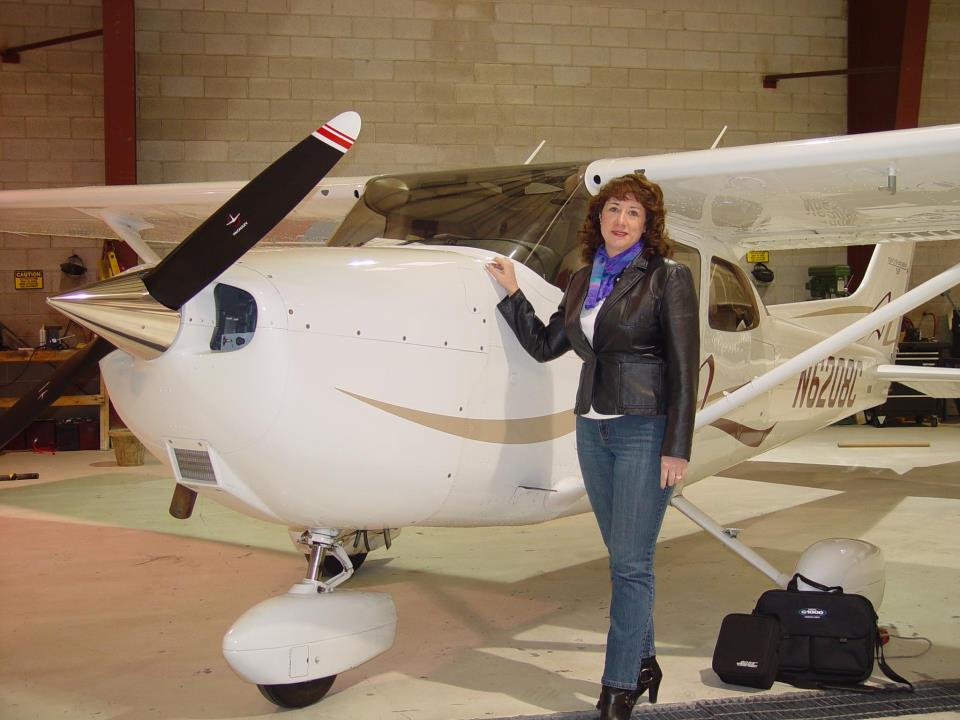 Paula Williams with Charlie a Cessna 172